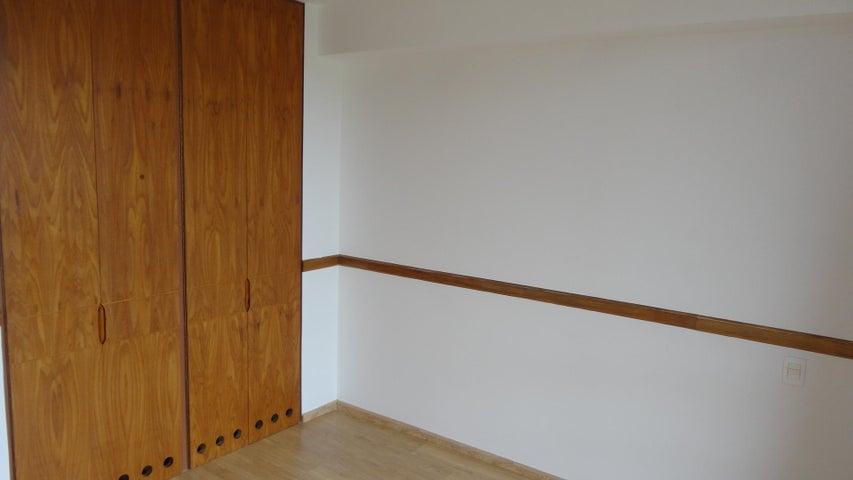 Apartamento Distrito Metropolitano>Caracas>Colinas de Valle Arriba - Venta:550.000 Precio Referencial - codigo: 21-4077