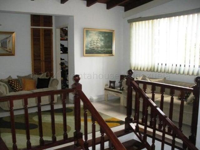 Casa Distrito Metropolitano>Caracas>Prados del Este - Venta:330.000 Precio Referencial - codigo: 21-4282