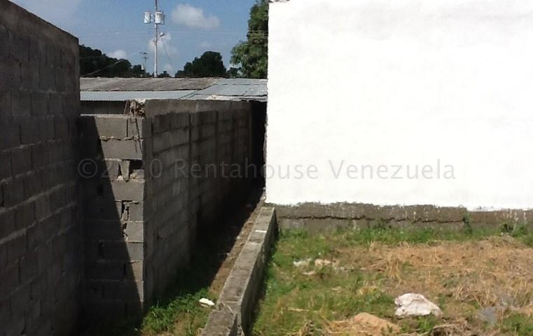 Galpon - Deposito Portuguesa>Ospino>Centro - Venta:30.000 Precio Referencial - codigo: 21-4338
