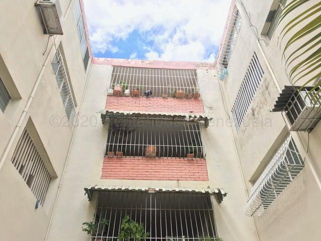 Apartamento Lara>Cabudare>Parroquia Cabudare - Venta:13.900 Precio Referencial - codigo: 21-4268