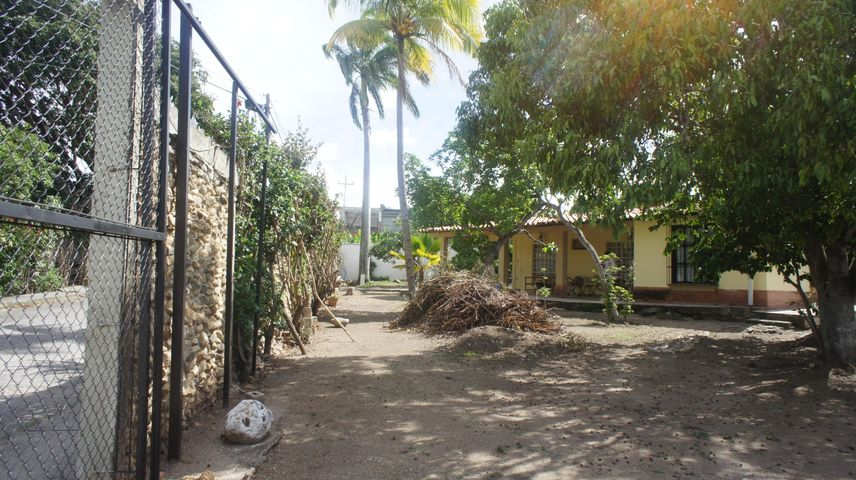 Casa Lara>Cabudare>Parroquia Agua Viva - Venta:36.000 Precio Referencial - codigo: 21-4283
