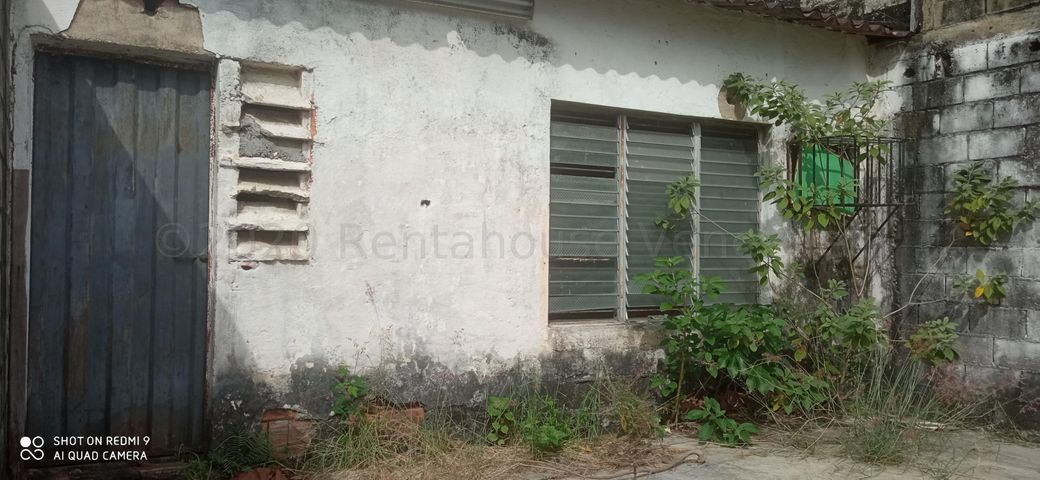 Casa Portuguesa>Araure>Centro - Venta:14.000 Precio Referencial - codigo: 21-4498