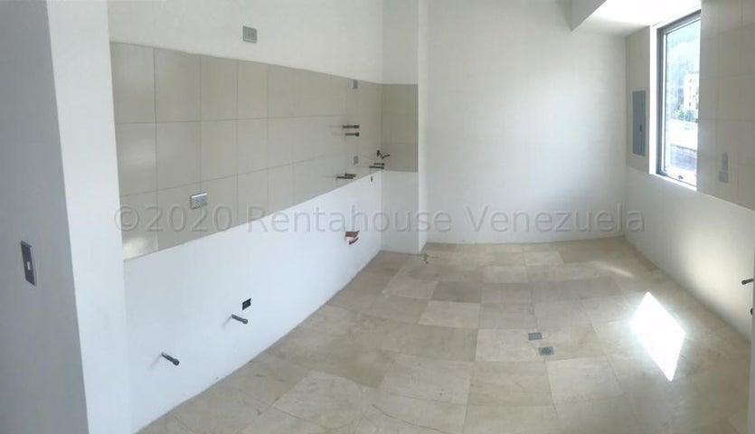 Apartamento Distrito Metropolitano>Caracas>Los Naranjos de Las Mercedes - Venta:155.000 Precio Referencial - codigo: 21-4392