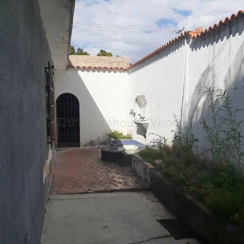 Casa Carabobo>Valencia>El Recreo - Venta:120.000 Precio Referencial - codigo: 21-5788