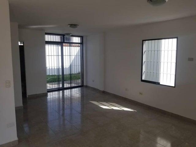 Casa Lara>Cabudare>Parroquia Cabudare - Alquiler:250 Precio Referencial - codigo: 21-4456