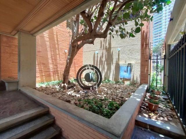 Apartamento Zulia>Maracaibo>El Milagro - Alquiler:1.000 Precio Referencial - codigo: 21-4496