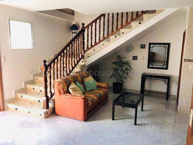Casa Distrito Metropolitano>Caracas>Santa Fe Norte - Alquiler:700 Precio Referencial - codigo: 21-4579