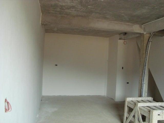 Casa Miranda>Guatire>Villa Heroica - Venta:26.000 Precio Referencial - codigo: 21-4561