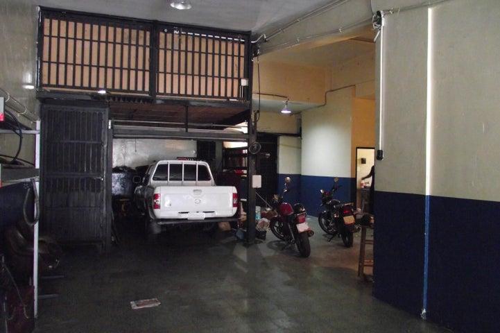 Local Comercial Distrito Metropolitano>Caracas>El Paraiso - Venta:85.000 Precio Referencial - codigo: 21-4580
