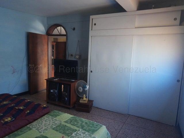 Casa Lara>Barquisimeto>Parroquia Union - Venta:40.000 Precio Referencial - codigo: 21-4572