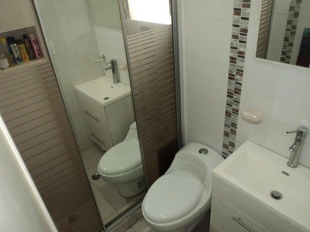Apartamento Distrito Metropolitano>Caracas>Macaracuay - Venta:55.000 Precio Referencial - codigo: 21-4596