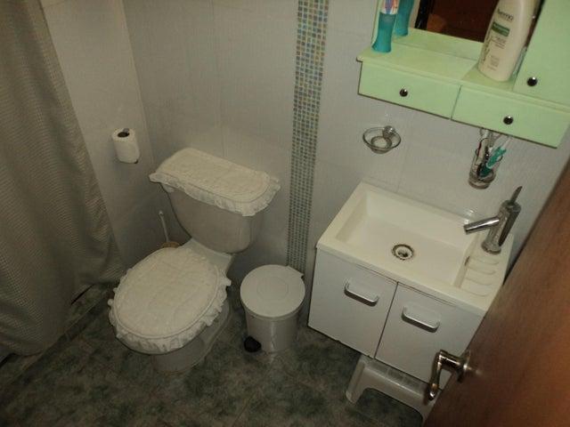 Townhouse Miranda>Guarenas>Nueva Casarapa - Venta:40.000 Precio Referencial - codigo: 21-4603