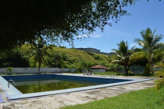 Casa Miranda>Guatire>Country Club Buena Ventura - Venta:35.000 Precio Referencial - codigo: 21-4622