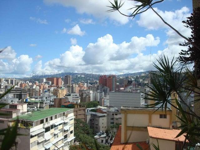 Apartamento Distrito Metropolitano>Caracas>Los Caobos - Venta:235.000 Precio Referencial - codigo: 21-4635