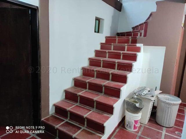 Casa Lara>Cabudare>Prados del Golf - Venta:22.000 Precio Referencial - codigo: 21-4742