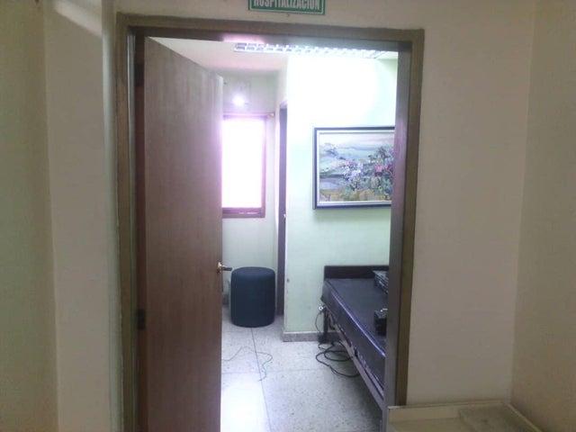 Local Comercial Lara>Barquisimeto>Parroquia Catedral - Alquiler:300 Precio Referencial - codigo: 21-4767