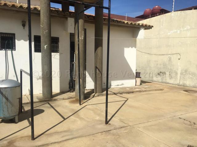 Casa Falcon>Punto Fijo>Santa Fe - Venta:45.000 Precio Referencial - codigo: 21-4801