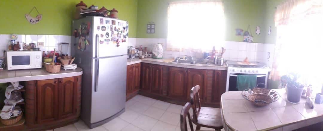 Casa Falcon>Coro>La Velita - Venta:8.500 Precio Referencial - codigo: 21-4856