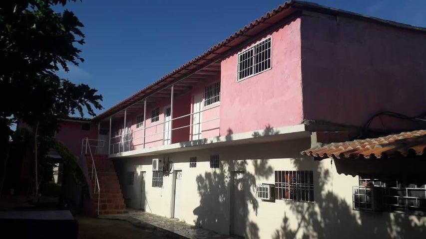 Casa Falcon>Coro>Intercomunal Coro La Vela - Venta:12.000 Precio Referencial - codigo: 21-4849