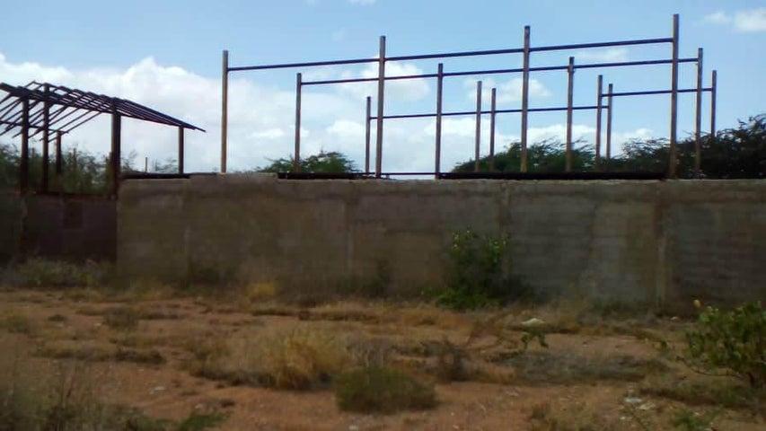 Terreno Falcon>Coro>Sector La Floresta - Venta:8.500 Precio Referencial - codigo: 21-4840