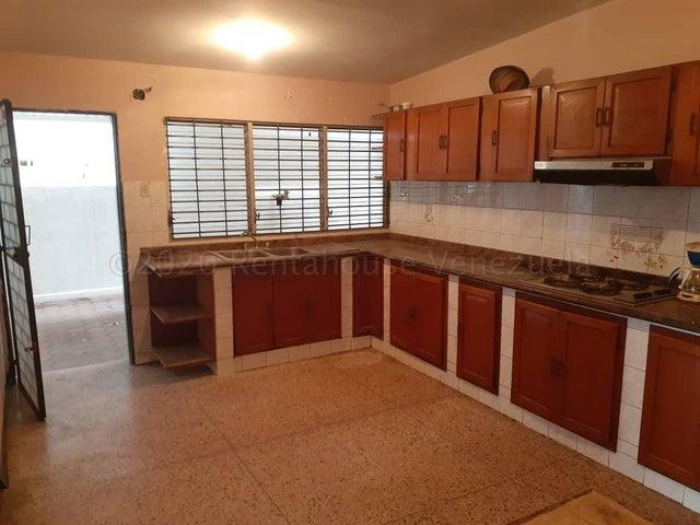 Casa Zulia>Maracaibo>Monte Bello - Venta:29.000 Precio Referencial - codigo: 21-4830