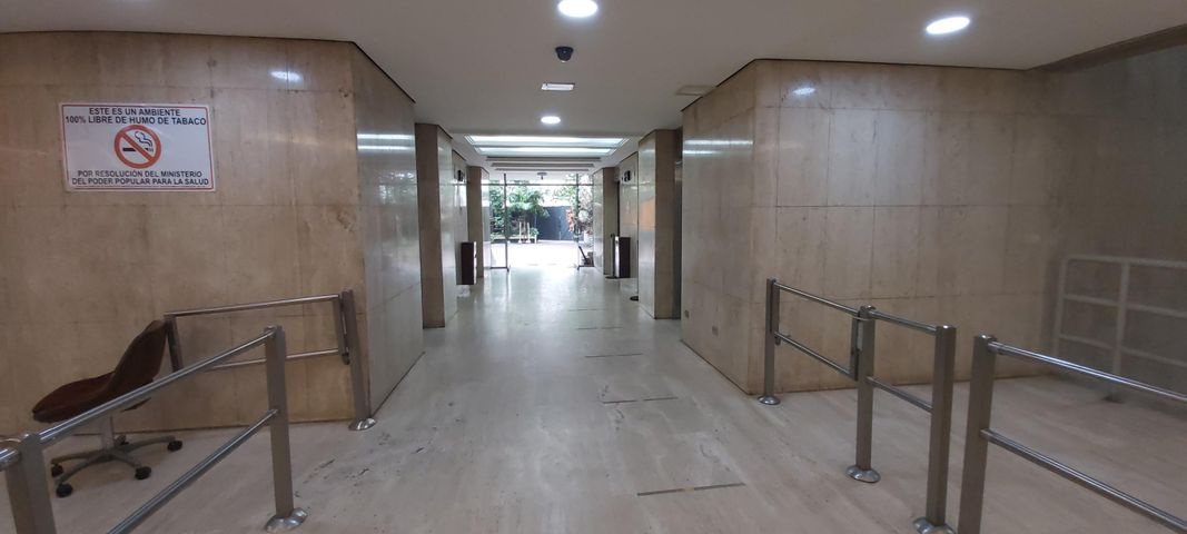 Oficina Distrito Metropolitano>Caracas>La Castellana - Alquiler:1.200 Precio Referencial - codigo: 21-4937