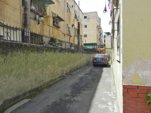 Apartamento Distrito Metropolitano>Caracas>Las Acacias - Venta:25.000 Precio Referencial - codigo: 21-4952