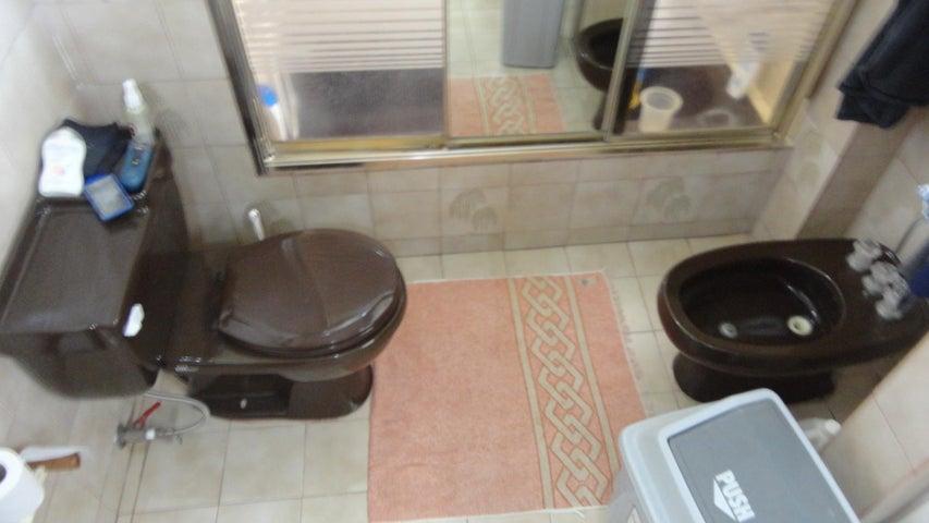Apartamento Distrito Metropolitano>Caracas>La Urbina - Venta:100.000 Precio Referencial - codigo: 21-5036