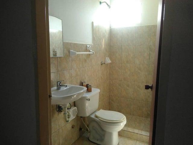 Apartamento Zulia>Cabimas>Zulia - Venta:4.500 Precio Referencial - codigo: 21-5097