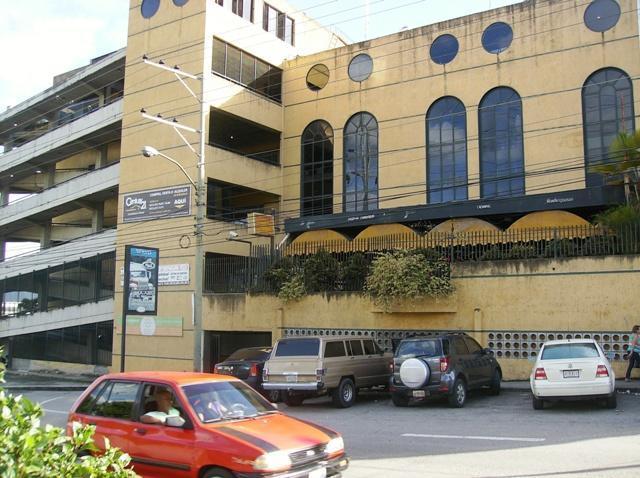 Local Comercial Miranda>Guatire>El Refugio - Alquiler:250 Precio Referencial - codigo: 21-5103
