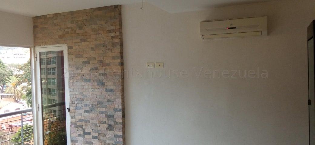 Apartamento Distrito Metropolitano>Caracas>San Bernardino - Venta:40.000 Precio Referencial - codigo: 21-5119