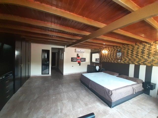 Casa Lara>Barquisimeto>Los Cardones - Venta:65.000 Precio Referencial - codigo: 21-5166