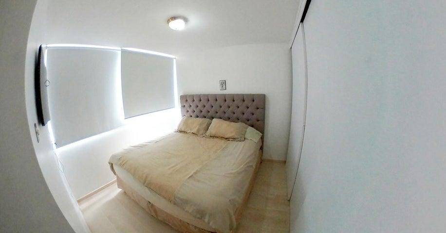Apartamento Distrito Metropolitano>Caracas>La Bonita - Venta:63.000 Precio Referencial - codigo: 21-5237