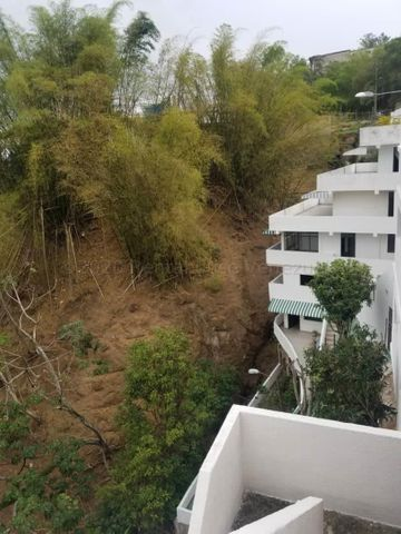 Casa Miranda>Los Teques>Macarena Sur - Venta:180.000 Precio Referencial - codigo: 21-5462