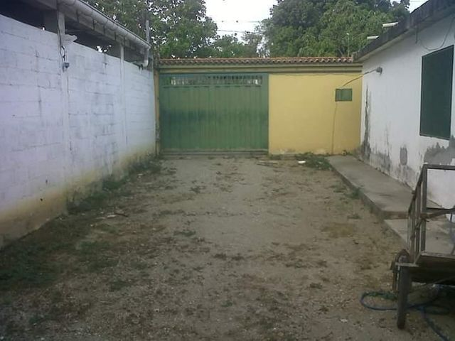 Casa Lara>Duaca>Municipio Crespo - Venta:11.000 Precio Referencial - codigo: 21-5524