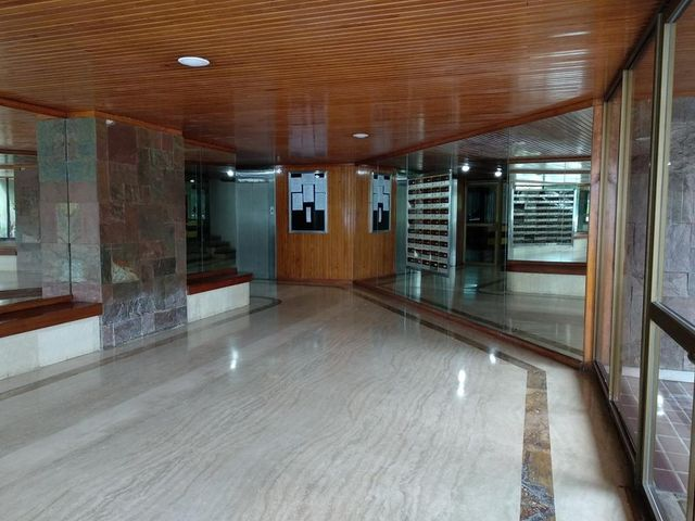 Apartamento Distrito Metropolitano>Caracas>Lomas de Prados del Este - Venta:75.000 Precio Referencial - codigo: 21-5641