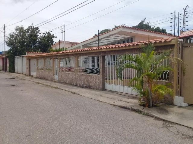 Casa Lara>Barquisimeto>Parroquia Concepcion - Venta:70.000 Precio Referencial - codigo: 21-5696