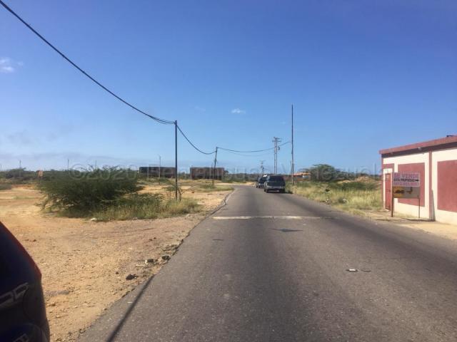 Terreno Falcon>Punto Fijo>Guanadito - Venta:3.500 Precio Referencial - codigo: 21-5737