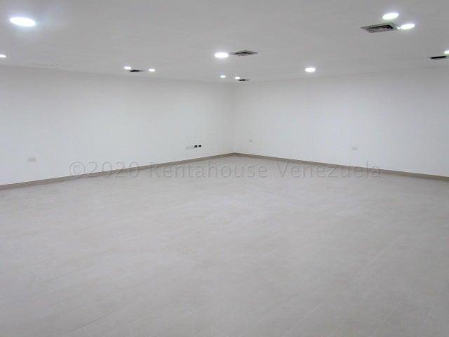 Oficina Distrito Metropolitano>Caracas>Chuao - Alquiler:600 Precio Referencial - codigo: 21-16887