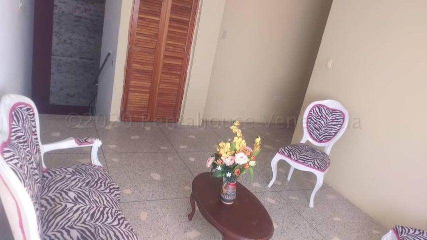 Townhouse Zulia>Ciudad Ojeda>La 'L' - Alquiler:260 Precio Referencial - codigo: 21-5819