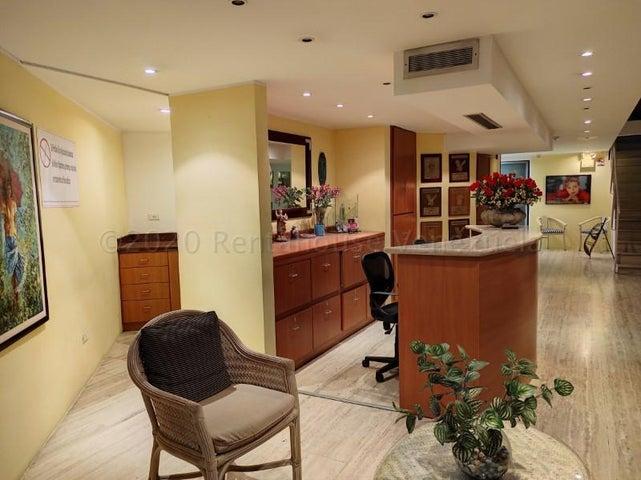 Local Comercial Distrito Metropolitano>Caracas>El Cafetal - Venta:390.000 Precio Referencial - codigo: 21-6170