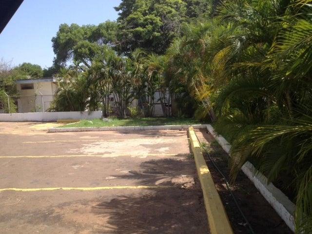 Terreno Zulia>Maracaibo>La Lago - Venta:220.000 Precio Referencial - codigo: 21-5857