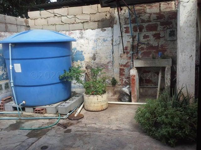 Casa Zulia>Maracaibo>Cuatricentenario - Venta:7.000 Precio Referencial - codigo: 21-5981