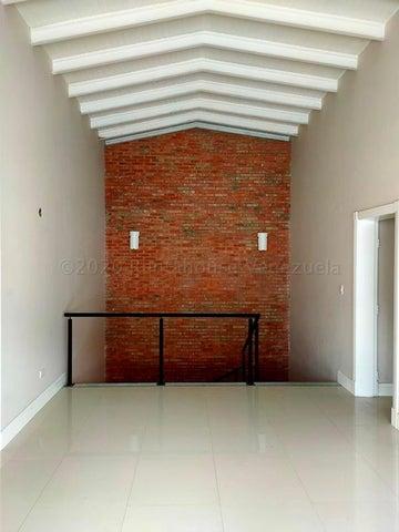 Casa Distrito Metropolitano>Caracas>La Trinidad - Venta:195.000 Precio Referencial - codigo: 21-6029