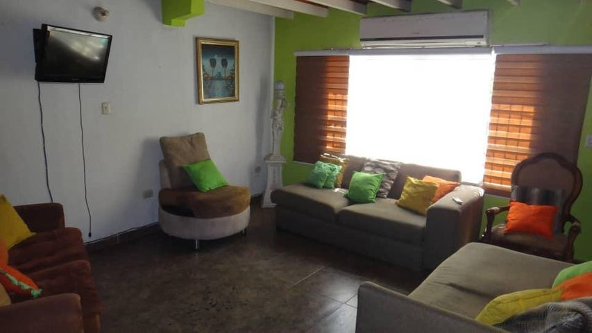 Casa Portuguesa>Araure>Llano Alto - Venta:35.000 Precio Referencial - codigo: 21-6061
