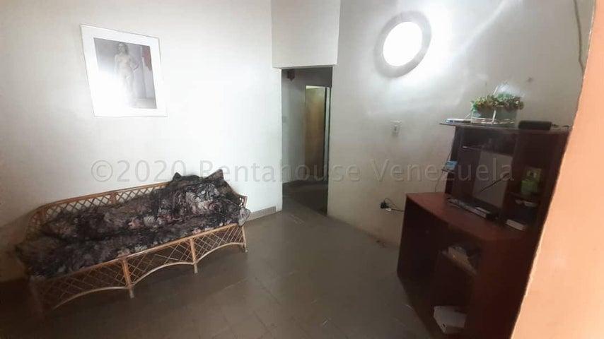 Casa Lara>Cabudare>Valle Hondo - Venta:32.000 Precio Referencial - codigo: 21-6062