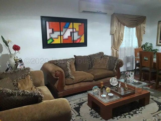Casa Zulia>Maracaibo>La Floresta - Venta:25.000 Precio Referencial - codigo: 21-8978