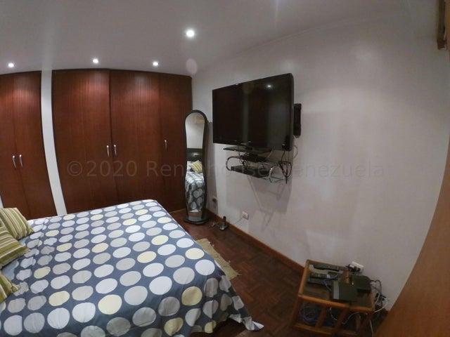 Apartamento Distrito Metropolitano>Caracas>El Rosal - Alquiler:600 Precio Referencial - codigo: 21-6149