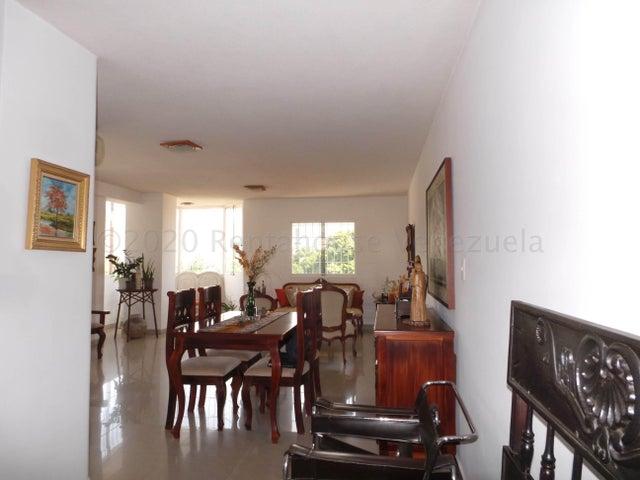 Apartamento Aragua>Maracay>La Soledad - Venta:110.000 Precio Referencial - codigo: 21-6159