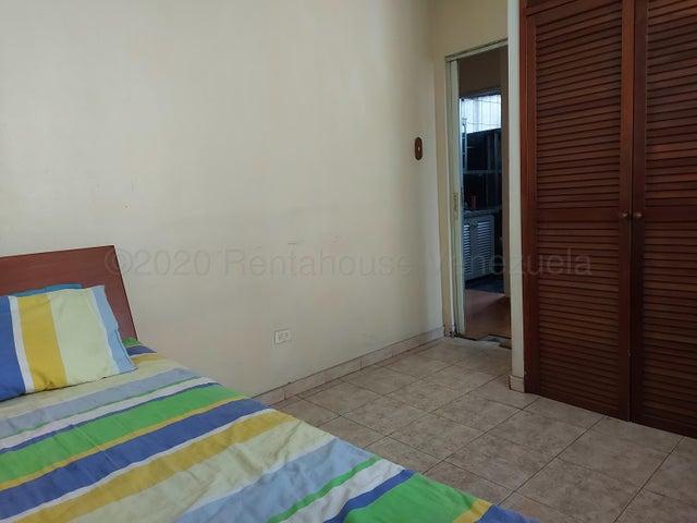 Apartamento Distrito Metropolitano>Caracas>Valle Abajo - Venta:42.000 Precio Referencial - codigo: 21-6178